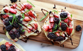 Grilled-Blackberry-Strawberry-Basil-and-Brie-Pizza-Crisp-with-Honey-Balsamic-Glaze