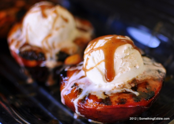 SomethingEdible-Tangy_Cardamom_Spiced_Grilled_Peaches06
